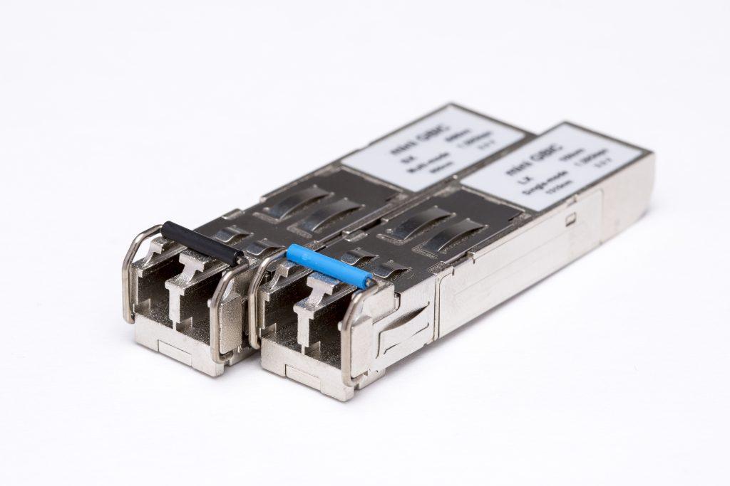 155M/1.25G/2.5G/4G SFP 光トランシーバ